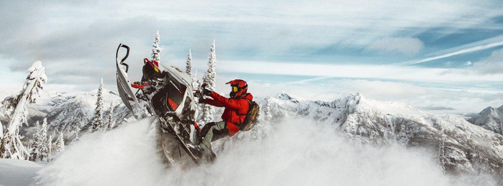 Ski-Doo Summit X 2021
